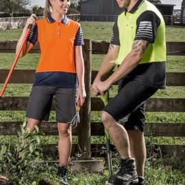 The Syzmik Womens Plain Utility Short is a 280gsm mid weight cotton drill short.  Navy, Charcoal or Black.  Great Womens workwear from Syzmik.