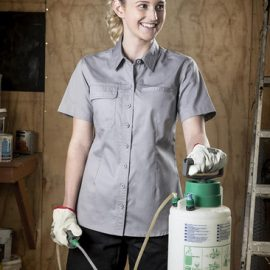 The Syzmik Womens Lightweight Short Sleeve Tradie Shirt is a 100% Cotton Twill.   145 gsm.  Triple Stitched Seams.  Available in 4 colour combinations.  Hi Viz Compliant.