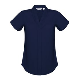 The Biz Collection Madison Short Sleeve Blouse is a mechanical stretch polyester blouse. 5 colours. 6 - 26. Great short sleeve blouses from Biz Collection