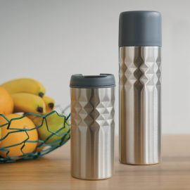 The Trends Collection Mosa Vacuum Flask is a 500ml double wall, vacuum insulted stainless steel flask.  Patterned outer wall.  Great branded vacuum flasks.
