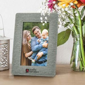 The Trends Collection Fairmont Photo Frame is a smart PU photo frame with on trend, heather style finish.  Great branded photo frames from Trends Collection.