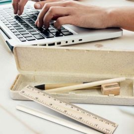 The TRENDS Natura Stationery Set is a unique rectangular pencil case made from wheat straw fiber & polypropylene.  Includes stationery products.