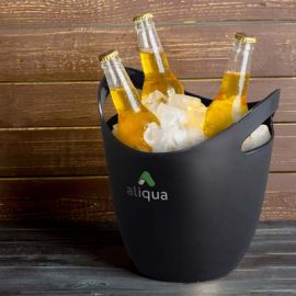 The TRENDS Eureka Ice bucket is a stylish ice bucket with curved design and handles. Black or White. Great branded ice buckets from TRENDS.