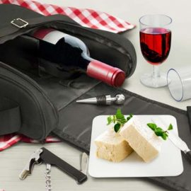 The TRENDS Bordeaux Picnic Set is a premium picnic set - perfect for wine and cheese lovers. Just add the cheese and wine and you are all set.