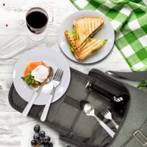 The TRENDS Vancouver Picnic Set is a 2 person picnic set with 2 tone heather finish. Just add wine for a great corporate gift for suppliers, clients and staff.